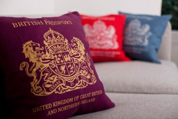 passport_cushion1