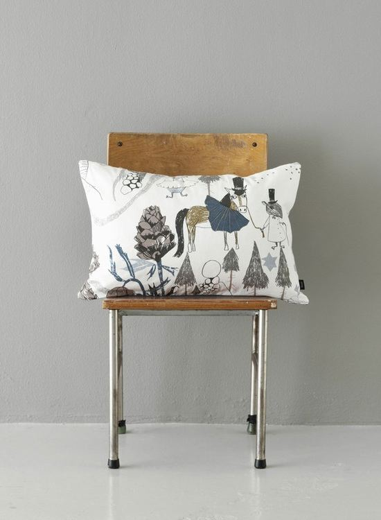 Make You And Your Little One Smile With These Funny Little Illustrated  Characters. These Playful Pillows Not Only Feature Great Designs And  Stories But Are ...