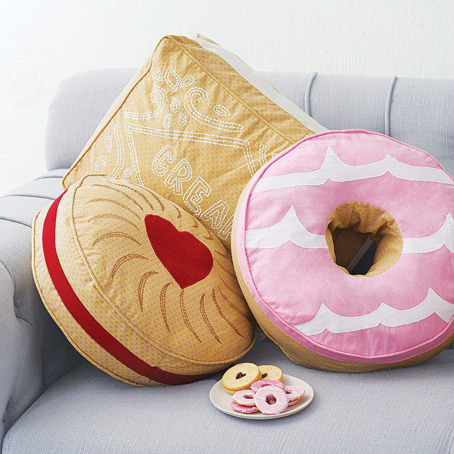 original_celebration-biscuit-cushions
