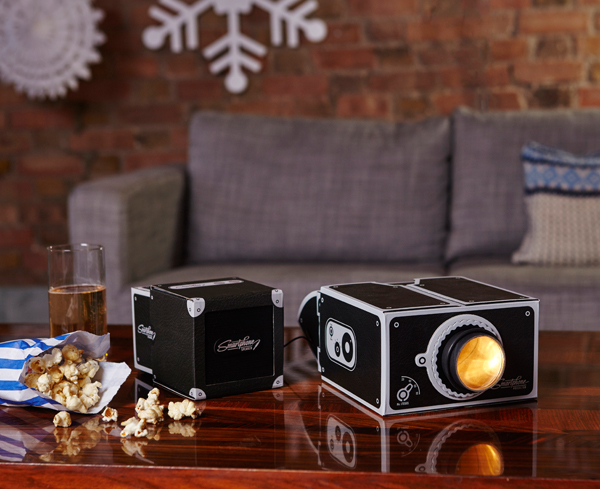 Smartphone-Projector-Speaker-Bundle-Christmas-01